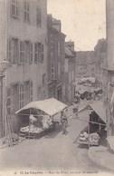 Saône-et-Loire - La Clayette - Rue Du Pont, Un Jour Du Marché - Francia
