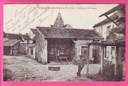SAULX LES CHARTREUX S. ET O. INTERIEUR DE FERME CP ANIMEE - Other Municipalities