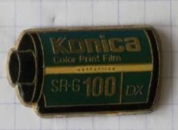 Pin's - KONICA - Pellicule Photo SR-G 100DX - Photography