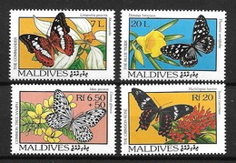 MALDIVES MALDIVAS 1993 BUTTERFLIES AND FLOWERS  MNH - Papillons