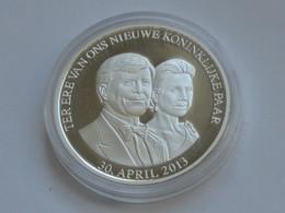 Médaille TER ERE VAN ONS NIEUWE KONINKLIJKE PAAR - 30 April 2013   **** EN ACHAT IMMEDIAT *** - Royaux/De Noblesse