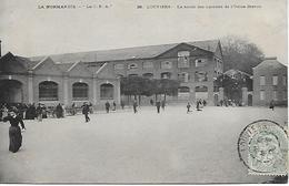 LOUVIERS -  LA SORTIE DES OUVRIERS DE L USINE BRETON - Louviers