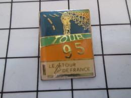 916a Pin's Pins / Beau Et Rare / THEME : ARTHUS / CYCLISME TOUR DE FRANCE 95 Seringue Pilules Et Insu De Mon Plein Gré ! - Arthus Bertrand