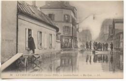 92  LEVALLOIS-PERRET  Crue De La Seine , Janvier 1910  La Rue Gide - Levallois Perret