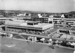 76 - Le Tréport - Beau Panorama Aérien Du Casino - Le Treport