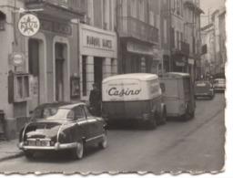 VALS LES BAINS Carte Photo CPM C.1960 Automobile Fourgonnette De Livraison Casino Station D Essence Azur - Vals Les Bains