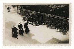 PHOTO ANCIENNE BRETAGNE BRETON Carnac Cérémonie Procession Fête Religieuse Défilé Religieux Voiture Auto 1930 1950 - Lieux
