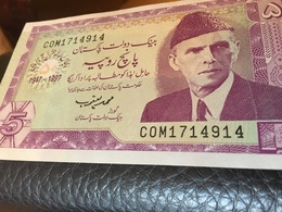 See Photos. Pakistan 5 Rupees Banknote. UNC - Pakistan