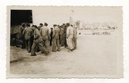 PHOTO ANCIENNE BRETAGNE BRETON Carnac Quiberon ? Bord De Mer Lieu à Identifier Photo Non Située Pêcheur De Dos 1930 1950 - Lieux