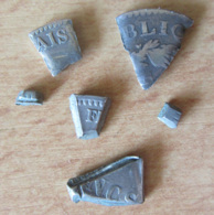 Madagascar - Curiosité - Fragments De Piastre (5 Francs Argent) Coupée Appelée Tsangan'Olona - 2e Et 3e République - Madagascar