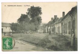 Flesselles - La Place - Animée - Circulé - 1913 - Mme WARGNIER - France