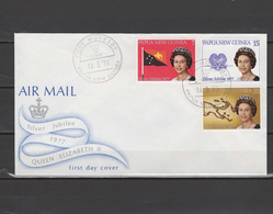 PNG Papua New Guinea 1977 Queen Elizabeth II Silver Jubilee Set Of 3 On FDC - Case Reali