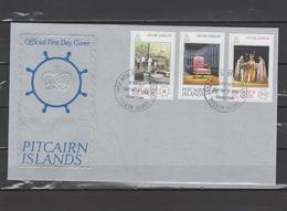 Pitcairn 1977 Queen Elizabeth II Silver Jubilee Set Of 3 On FDC - Case Reali