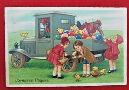 CPA Fantaisie/ Joyeuses Pâques/ Enfants - Poussins - Coqs - Pasqua