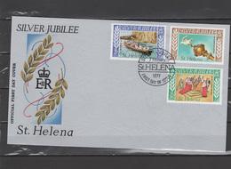St. Helena 1977 Queen Elizabeth II Silver Jubilee Set Of 3 On FDC - Case Reali