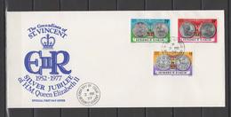 St. Vincent - Grenadines 1977 Queen Elizabeth II Silver Jubilee Set Of 3 On FDC - Case Reali