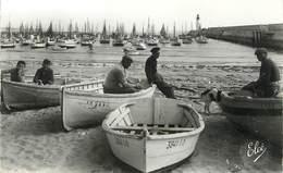 """CPSM FRANCE 17 """"Ile D'Oléron, La Cotinière, Bateaux Au Port"""" - Ile D'Oléron"""