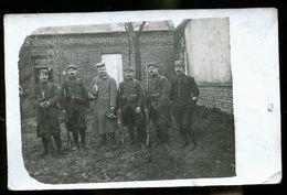 POILUS ET PRISONNIER ALLEMAND ET SON CASQUE A POINT - War 1914-18