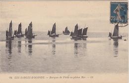 CPA - Les Sables D'Olonne (85) Vendée -  Barques De Pêche En Pleine Mer - Sables D'Olonne