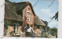 2278 NEBEL / Amrum, Kammersänger Hermann Prey Vor Seinem Haus - Nordfriesland