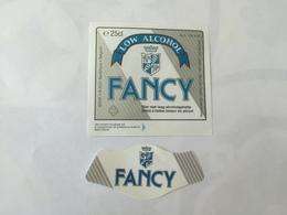 Ancienne étiquette B8 BIERE BELGE - FANCY - LOW ALCOHOL - Bière