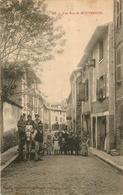 MONTBRISON UNE RUE - Montbrison