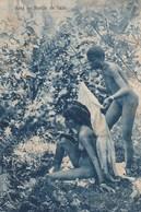 CPA (seins Nus  )  Sortie De Bain (b.bur Theme) Petit Defaut - Afrique Du Sud, Est, Ouest