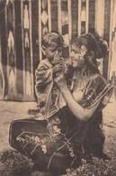 CPA (seins Nus  )  L Afrique Du Nord Type De Femme  (b.bur Theme) - Africa Del Norte