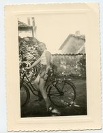 Jeune Fille Velo Bike Beauty Bon Temps Jambe Pin-up Sexy 50s Legs - Anonymous Persons