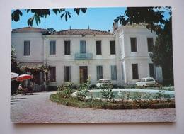04 - Cpsm 150 X 105 - GREOUX-LES-BAINS - La Clinique Médicale  -  Santé - Autos Anciennes - Gréoux-les-Bains