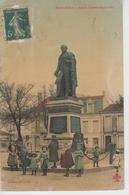 CPA Toilée Marennes - Statue Chasseloup-Laubat (jolie Animation) - Marennes