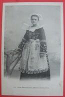 29 CONCARNEAU - JEUNE FILLE DE LANRICE - Régionalisme Folklore Costume DOS SIMPLE - Gouézec