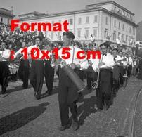 Reproduction D'une Photographieancienned'une Reconstitution Historique Au Festival à Lugano En Suisse En 1950 - Reproductions
