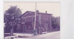 33 / LABARDE / PHOTO VERITABLE  GARE PASSAGE A NIVEAU 1984 - Andere Gemeenten