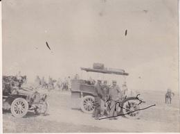 PH96 - TUNISIE -  MEDENINE -  OFFICIERS - AUTOMOBILES - VERS 1905 - Guerre, Militaire