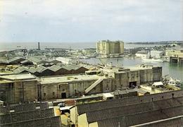 SAINT NAZAIRE Bassins Et Building - Saint Nazaire