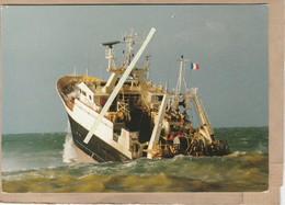 Dept 76 : ( Seine Maritime ) Fécamp, Chalutier. - Fécamp