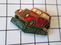 117 Pin's Pins / Beau Et Rare / THEME : AUTOMOBILES / 1937 FORD ROUGE SANG - Ford