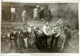 №89 Photography Of Diggers From Labor Brigade - Sofia 1958,Old PHOTO - Professions