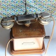 Ancien Téléphone Bois ASSOCIATION DES OUVRIERS EN INSTRUMENTS DE PRECISON PARIS N° 24634 Combiné BL Modèle 1910 N°52183 - Téléphonie