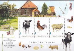 Nederland - Rien Poortvliet - Velletje - Te Hooi En Te Gras - Koe/haan/schaap  - MNH - Private Stamps