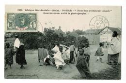 """Sénégal - Dakar """"Daw-len Portalekat Angok"""" Sauvez-vous, Voilà Le Photographe - Timbré 1908 - Sénégal"""