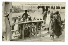 Afrique Occidentale - Tribunal Indigène Dans Un Poste (animation) Pas Circulé - Sénégal