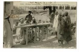 Afrique Occidentale - Tribunal Indigène Dans Un Poste (animation) Circulé 1916, Timbre Décollé - Sénégal