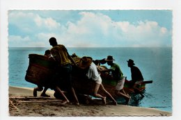 - CPSM MARTINIQUE - Rentrée De Pêche Au Soleil Couchant 1960 - Editions S.A.E.C. N° 34 - - Martinique