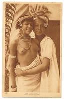 Cpa: LES AMOUREUX (Jeune Femme Seins Nus, Cachet Maroc) Ed. L & L N° 132 - Africa Del Norte