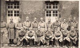 CPA / Guerre 14/18 Groupe De Soldats - Weltkrieg 1914-18