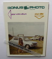 Bonus Photo Enfant Pose Devant Simca 1100 Renault 4 R4 4L Plus Loin Photo Originale Couleur Cliché Amateur Snapshot - Automobiles