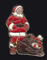 64018- Pin's -Père Noel. - Noël
