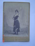 PHOTOGRAPHIE Ancienne : Portrait D' Une Fée - étoile / STUDIO COUADOU / TOULON ( VAR ) - Personnes Anonymes